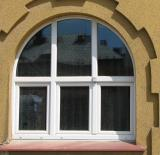 Tříkřídlé okno s fixním nadsvětlíkem